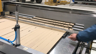 Smal Pieces IKEA Honeycomb Paperboard Cutting Machine